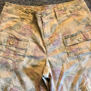 Ladies Style & Co. size 6 shorts